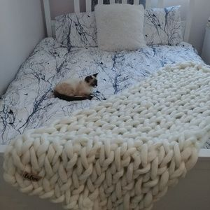 Homemade Bedding - NWOT Super Chunky Braid Blanket Runner